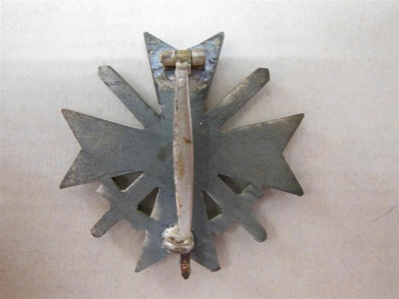 vend croix de merite de 1er classe avec glaives en boite  Dscn4722