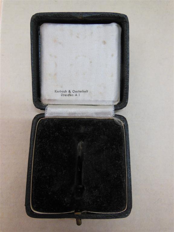 vend croix de merite de 1er classe avec glaives en boite  Dscn4723