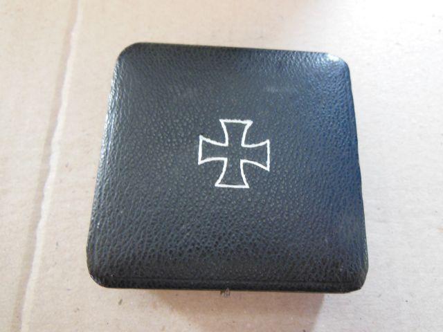 vend boite de croix de fer de 1er classe Dscn6450
