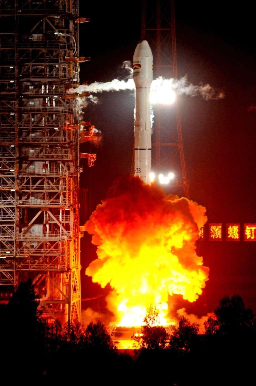Lancement CZ-3B / TKSat-1 à XSLC - Le 21 Décembre 2013 - [Succès]  Milita49
