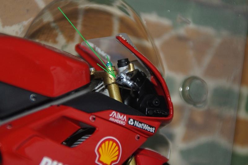 VENDU! Miniatures Minichamps 1/12 Ducati 916/996/998.  Dsc05614