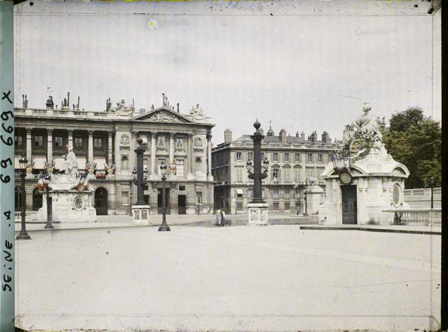La place Louis XV, puis place de la Révolution, puis place de la Concorde au XVIIIe siècle - Page 2 Paris-11