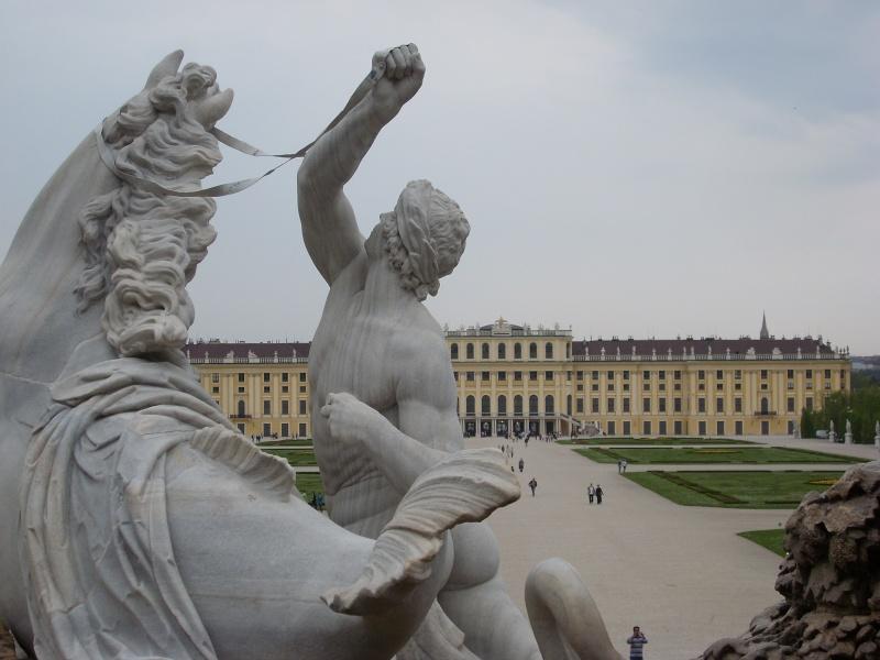Le palais de Schönbrunn - Page 2 Vienn126