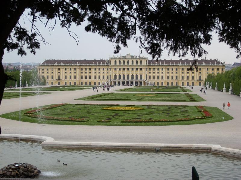 Le palais de Schönbrunn - Page 2 Vienn127
