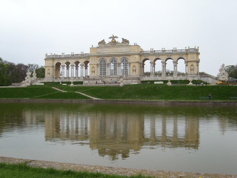 Le palais de Schönbrunn - Page 2 Vienn128