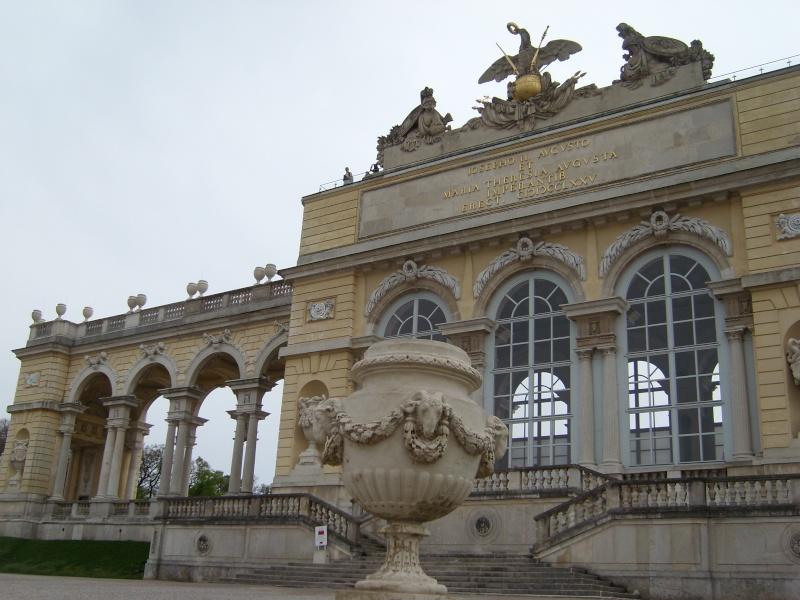 Le palais de Schönbrunn - Page 2 Vienn132
