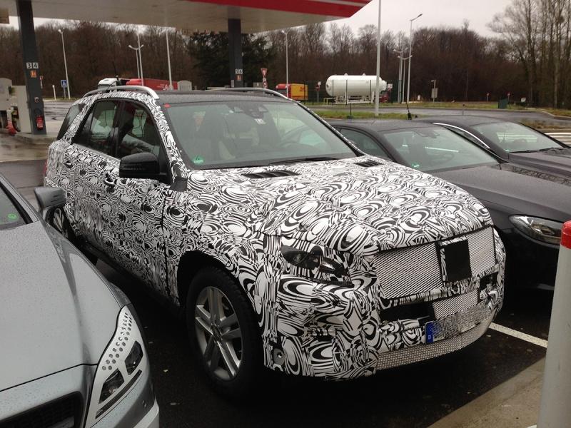 2015 - [Mercedes] GLC (GLK II) [X205] - Page 3 Merced24