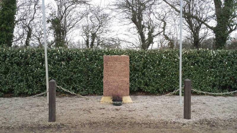 Monument WW2 - Brucheville ( Manche - Normandie )  15268110