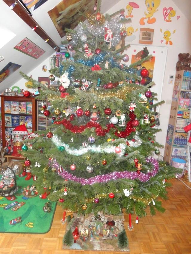 Votre décoration de Noel - Page 4 Dsc01710