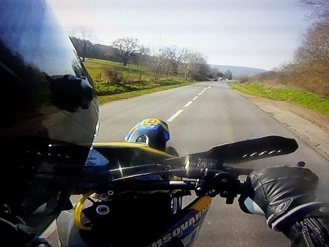 photo de vos moto pour création bannière - Page 7 16099410