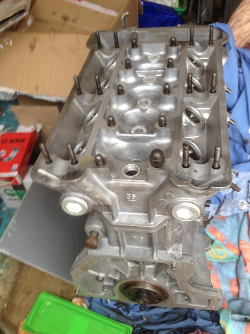 Alfa 75 turbo rouge Img_0910