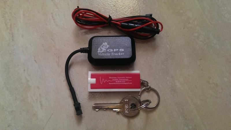 TRACEUR ANTIVOL GPS PAR ONDES GSM miniature pour auto, moto, etc... sur application Bapiaj10