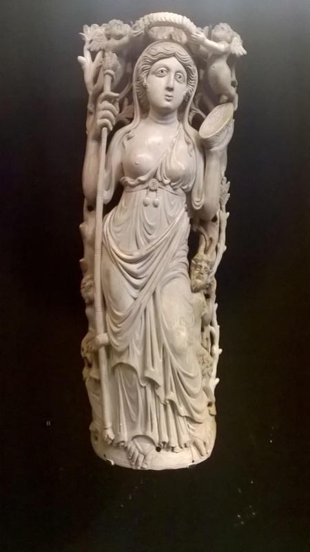De retour de l'exposition sur les Mérovingiens au musée de Cluny  214