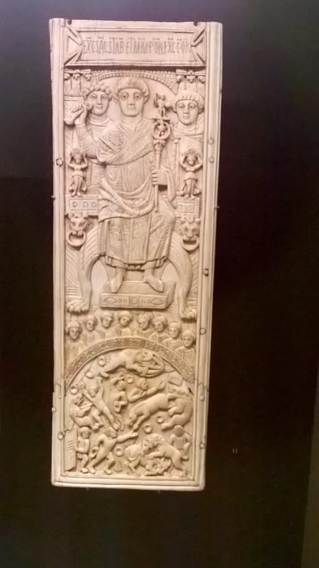 De retour de l'exposition sur les Mérovingiens au musée de Cluny  314