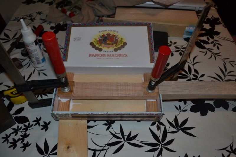 Fabriquer une cigar box guitar simple. Dsc_0013