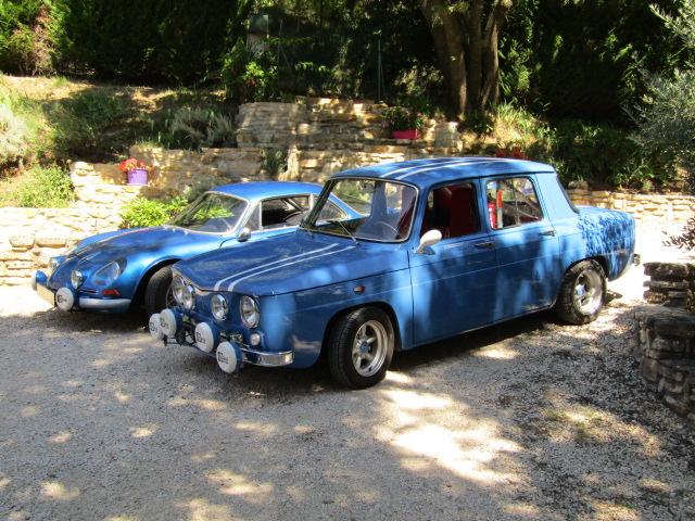 voitures anciennes avec Renault y aura toujours des mecanos...... Berlin12