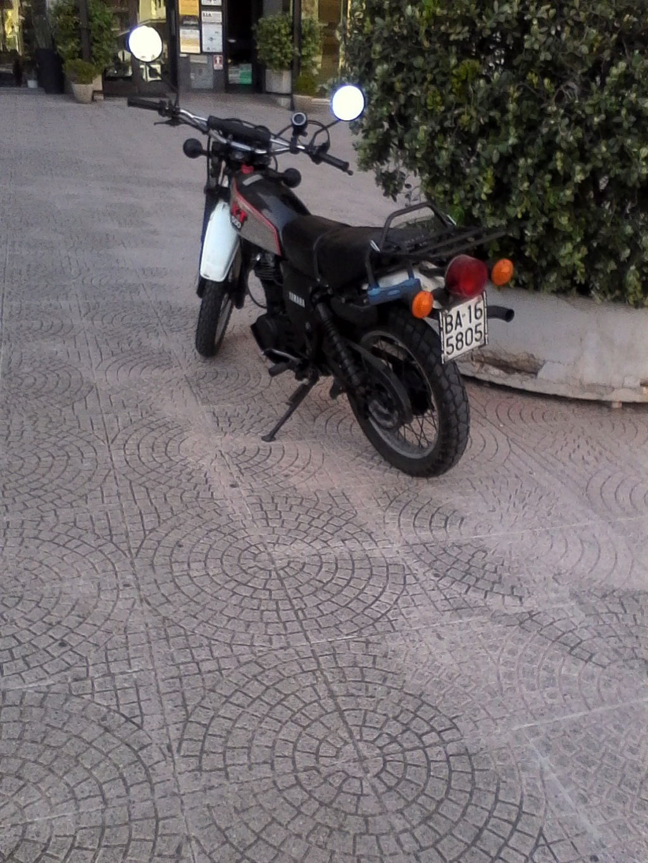 Foto di moto d'epoca o rare avvistate per strada - Pagina 17 00511