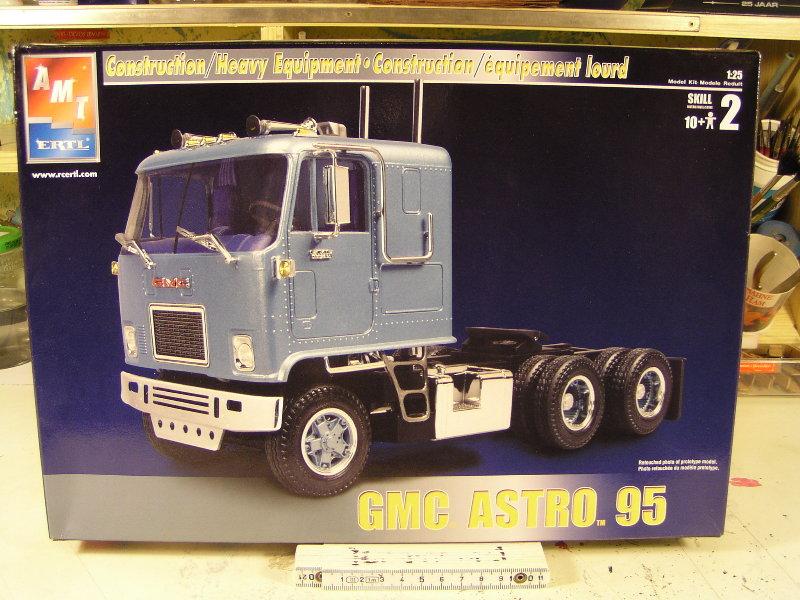 GMC Astro 95 von AMT 1.25 00110