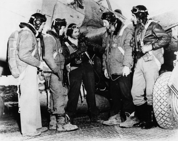 2nd Lt. Loyd F. Overfield, 353th Fighter Squadron / Crash 7 Août 1944 2nd_lt10