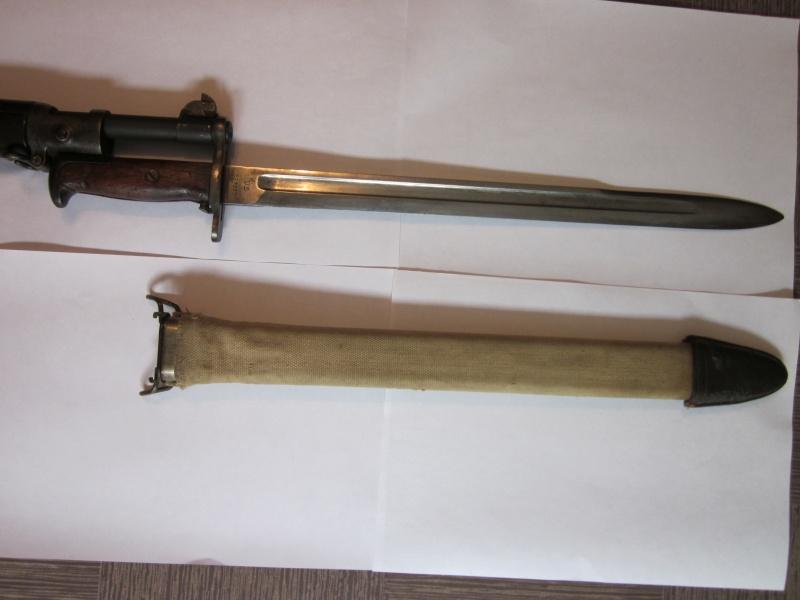 Quelques baïonnettes montées sur leurs armes Img_6613