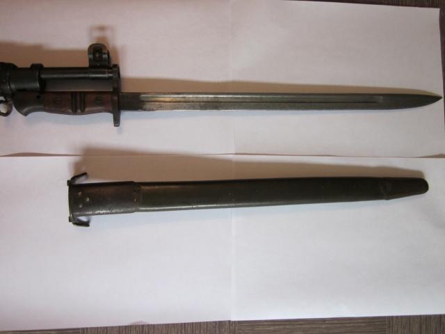 Quelques baïonnettes montées sur leurs armes Img_6614