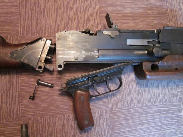 Le Fusil-Mitrailleur de Châtellerault Mle 1924 M29 et accesoires Img_6910