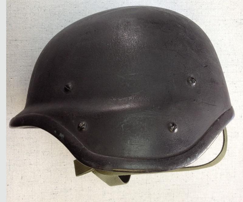 Le Barrday X90 casque expérimental canadien 115