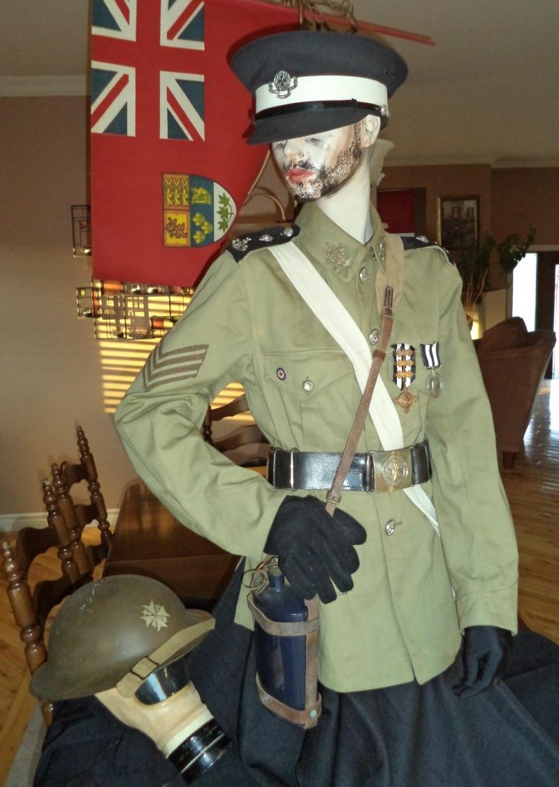 WW2 , Canadian St-John ambulance brigade 1941  museum piece. Kgrhqq11