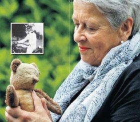 Sinds de oorlog is vaders teddybeer alles voor Elske 05_pab10