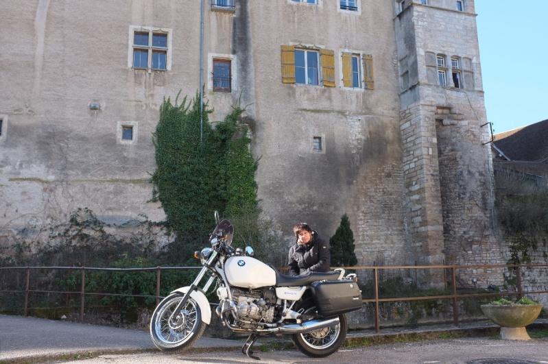 Photos de vous et de votre moto devant ....un château  - Page 5 Dscf4229