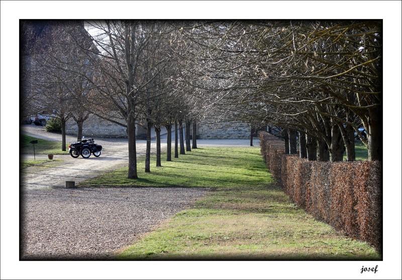Photos de vous et de votre moto devant ....un château  - Page 5 Img_4519