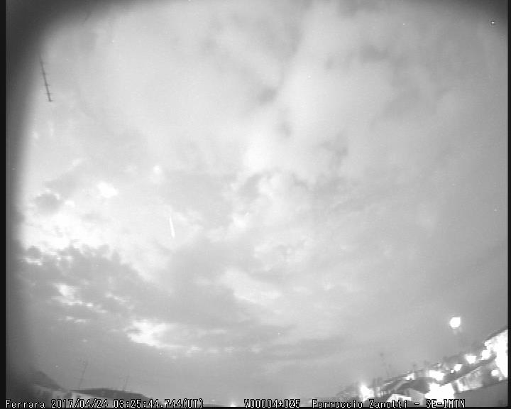 Fireball 2017.04.24_03.25.44 ± 1 U.T. M2017021