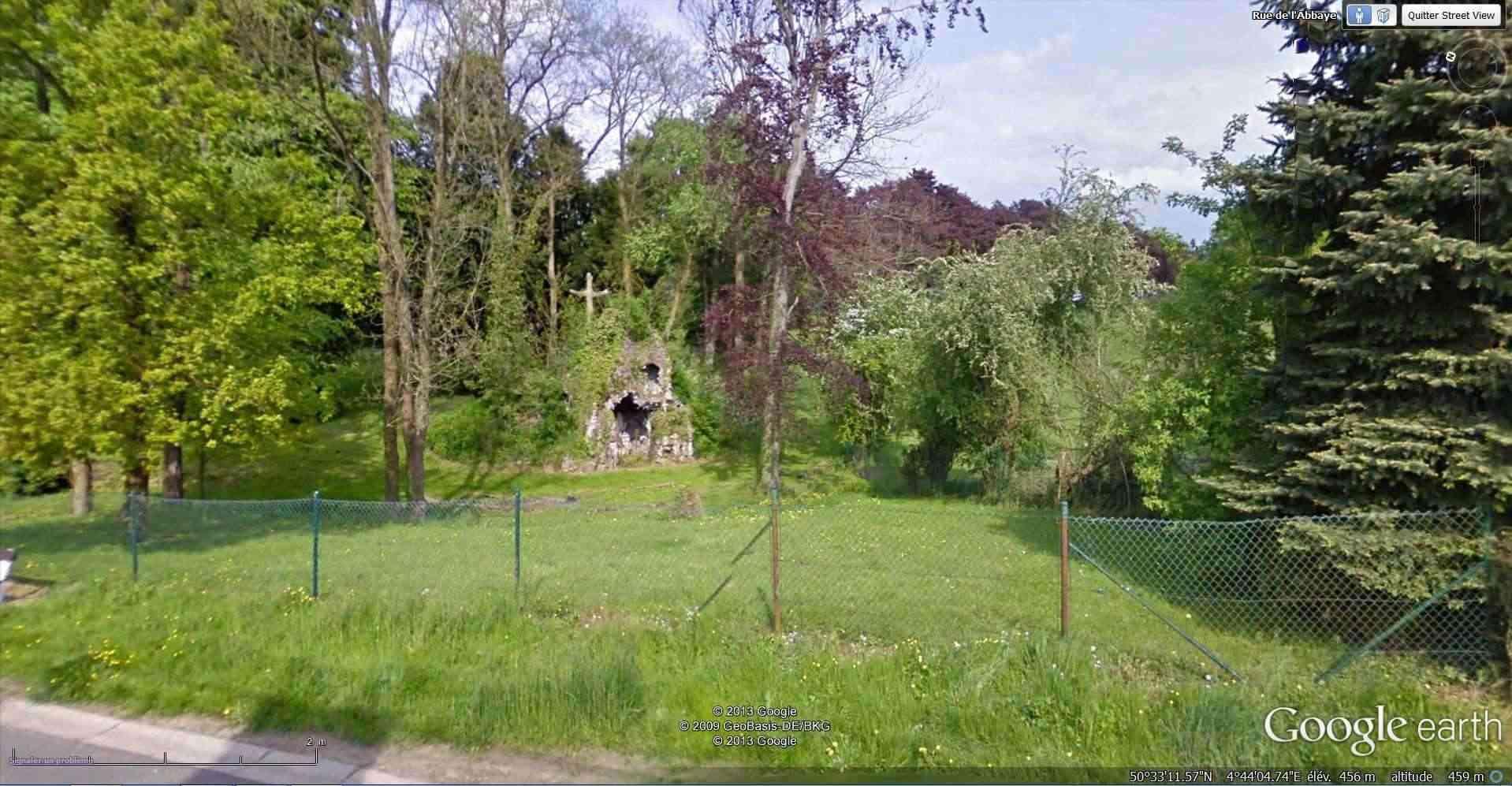 Les répliques de la grotte de Lourdes - Page 2 2013-161