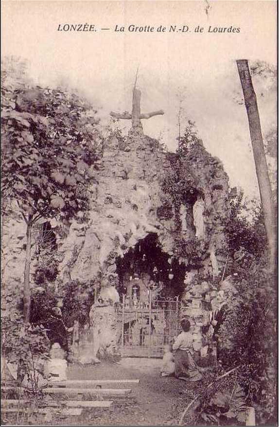 Les répliques de la grotte de Lourdes - Page 2 2013-163