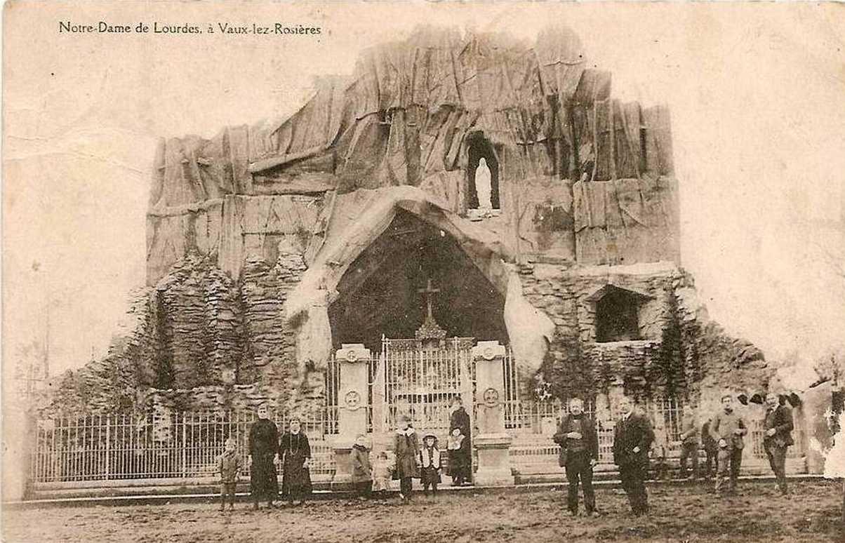 Les répliques de la grotte de Lourdes - Page 2 2013-240