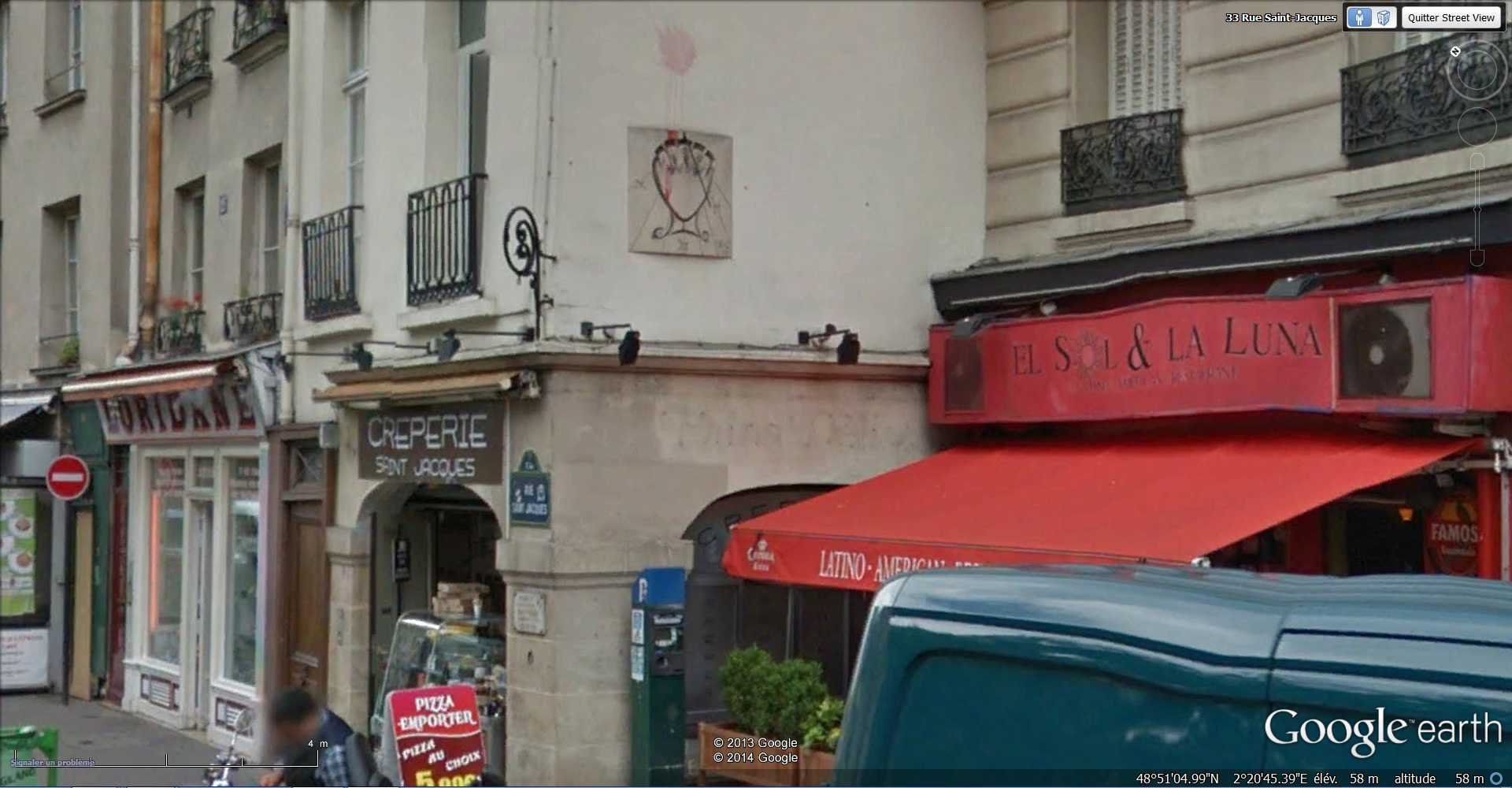 STREET VIEW: Les cadrans solaires en façade. 2014-053
