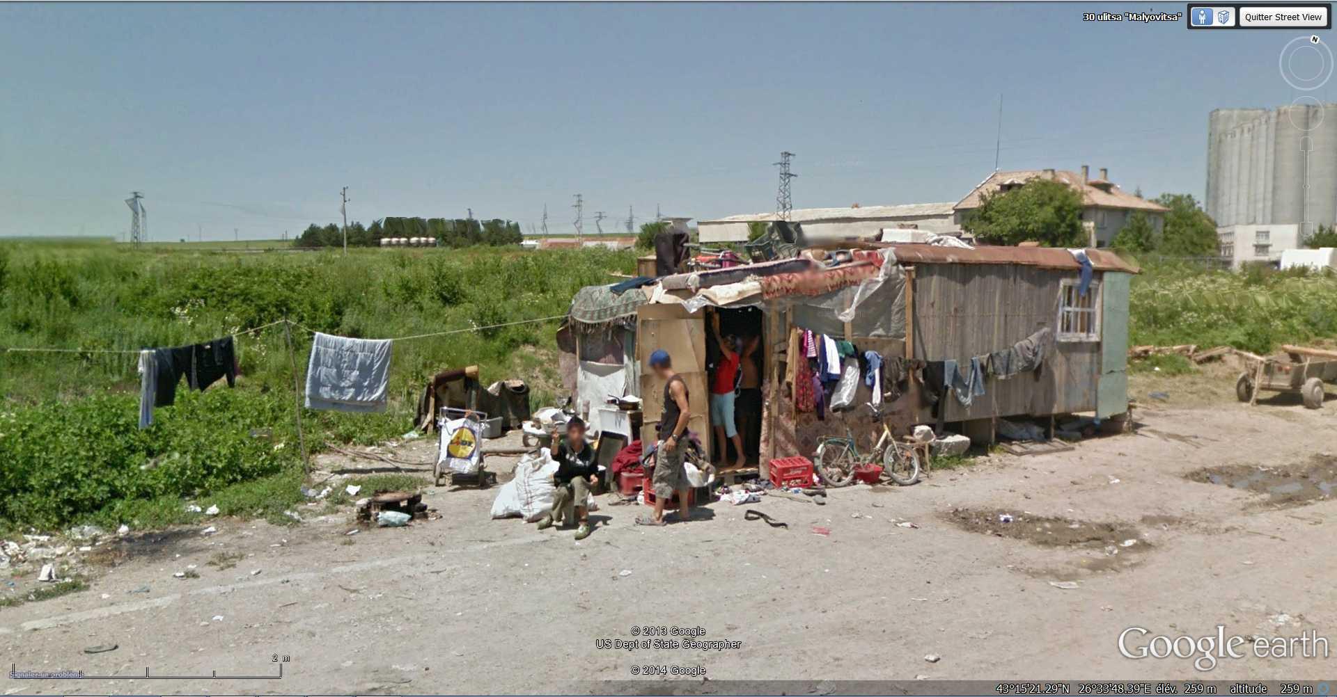 STREET VIEW : pauvres gens - Targovichte - Bulgarie 2014-117