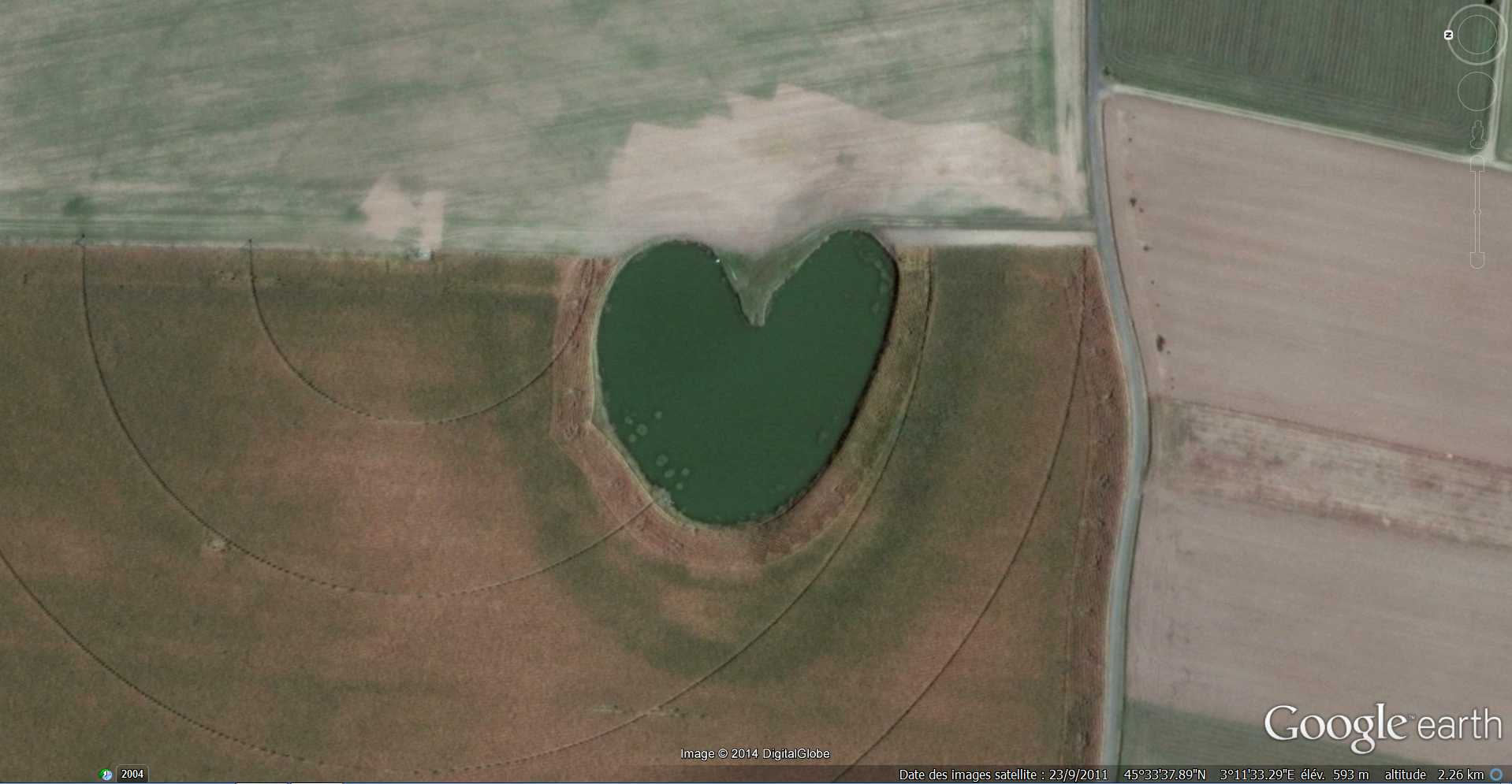Les cœurs découverts dans Google Earth - Page 9 2014-217