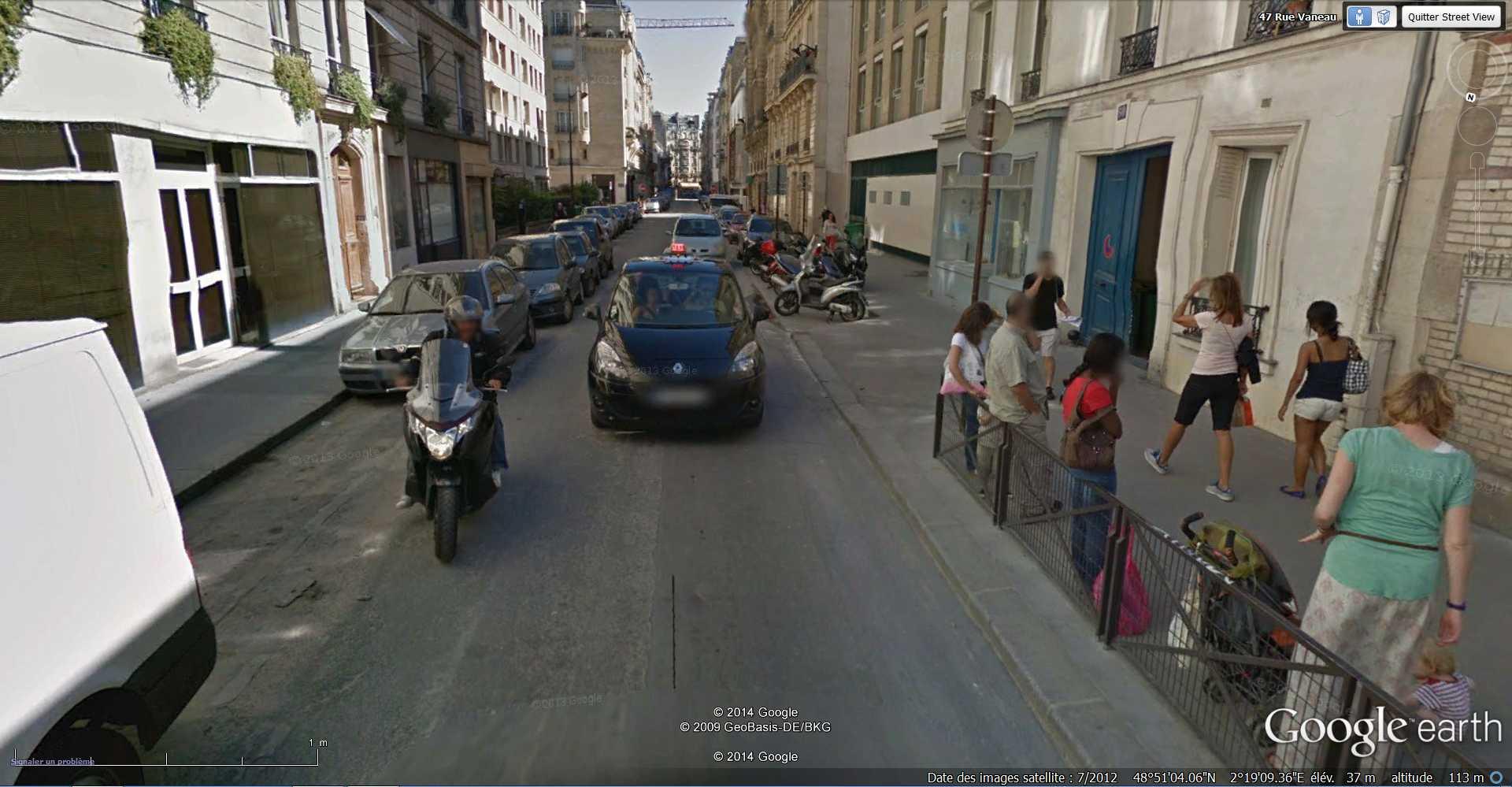 STREET VIEW : Chute de moto - rue Vaneau - Paris - France  2014-313