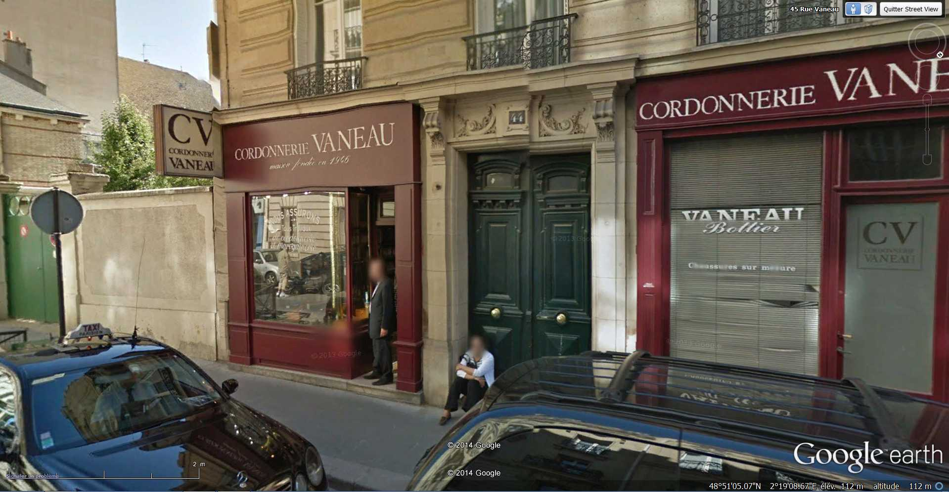 STREET VIEW : Chute de moto - rue Vaneau - Paris - France  2014-320