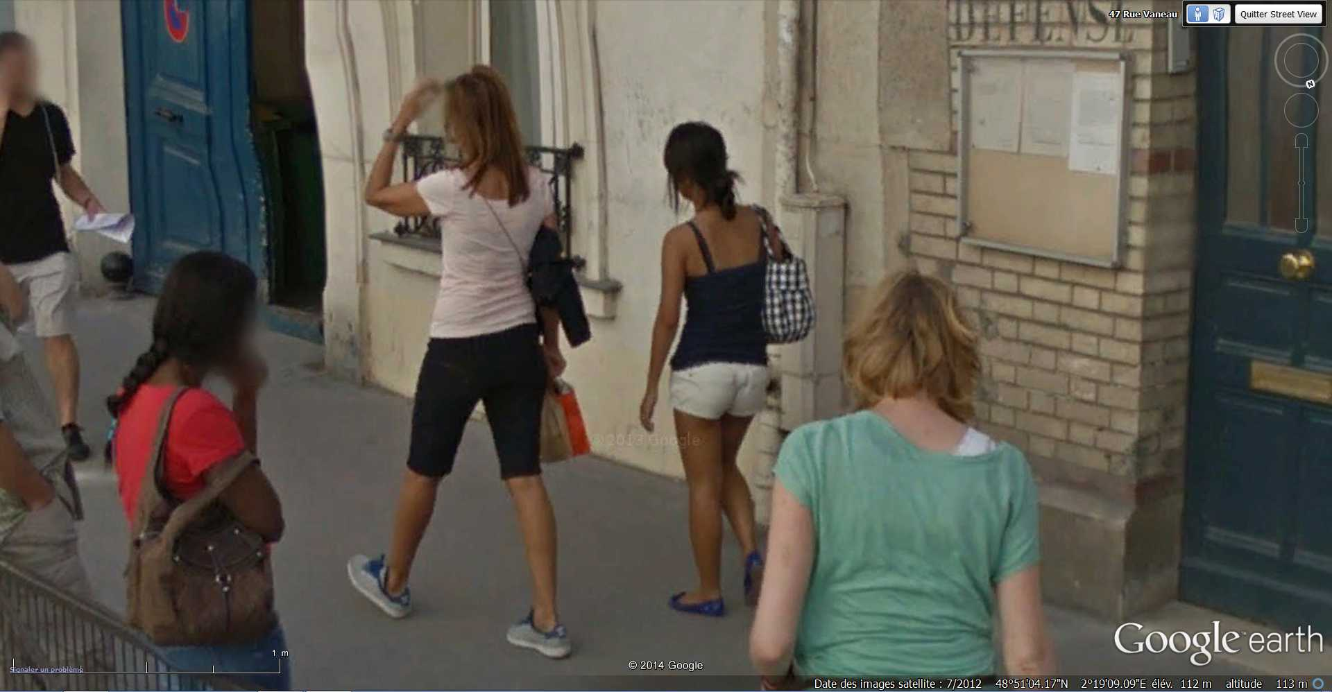 STREET VIEW : Chute de moto - rue Vaneau - Paris - France  2014-321