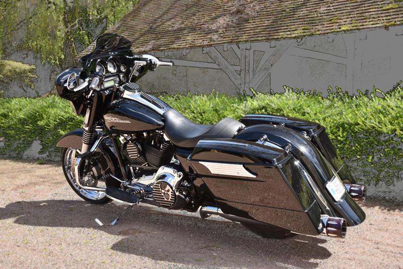 combien de STREET GLIDE  sur le forum Passion-Harley - Page 11 1112