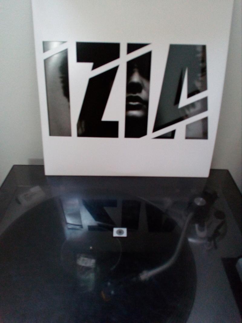 Quels sont vos derniers achats hors Metal  Izia10