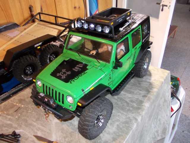 Axial scx10 Jeep Wrangler Unlimited Rubicon KIT - Página 5 Dscn1910