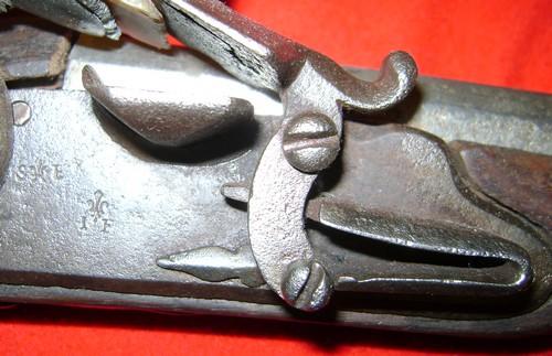 Fusil modèle 1746 (en fait 1717!) et comparaison des platines 1717 à 1754. 1717_211