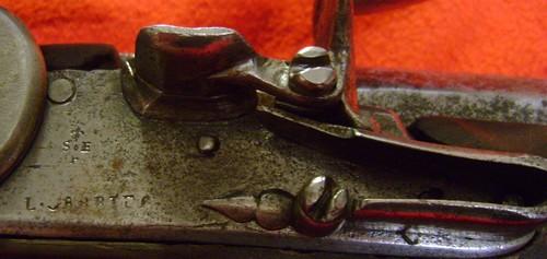 Fusil modèle 1746 (en fait 1717!) et comparaison des platines 1717 à 1754. 1728_410