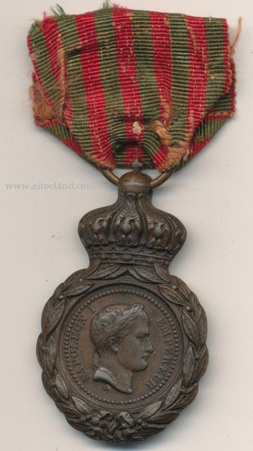 Les rubans de la médaille de Sainte Hélène. 27111210