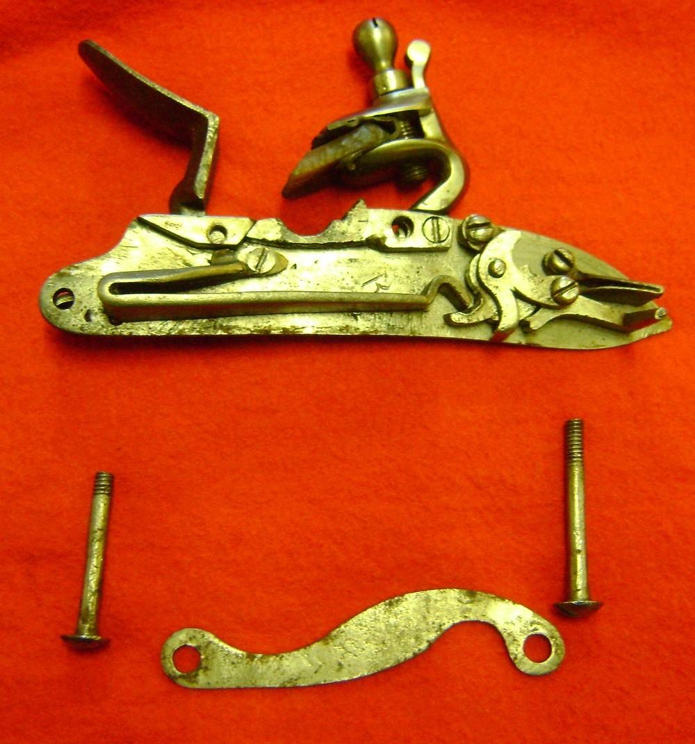 Fusil modèle 1746 (en fait 1717!) et comparaison des platines 1717 à 1754. Dsc01994
