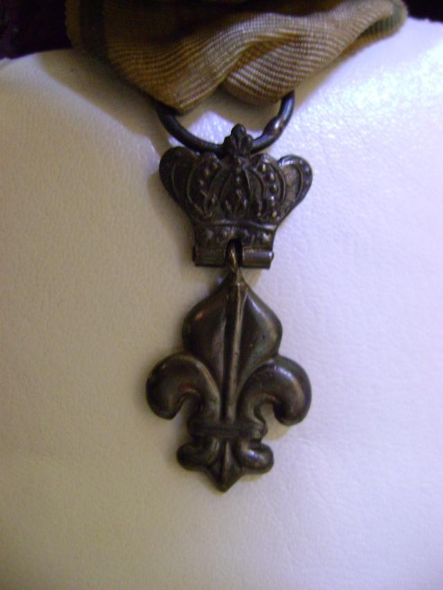 Légion d'Honneur et Ordre du Lys Restauration. Dsc02612