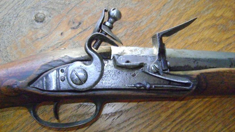 Mousqueton de garde du corps du Roi Louis XV. Dsc08329